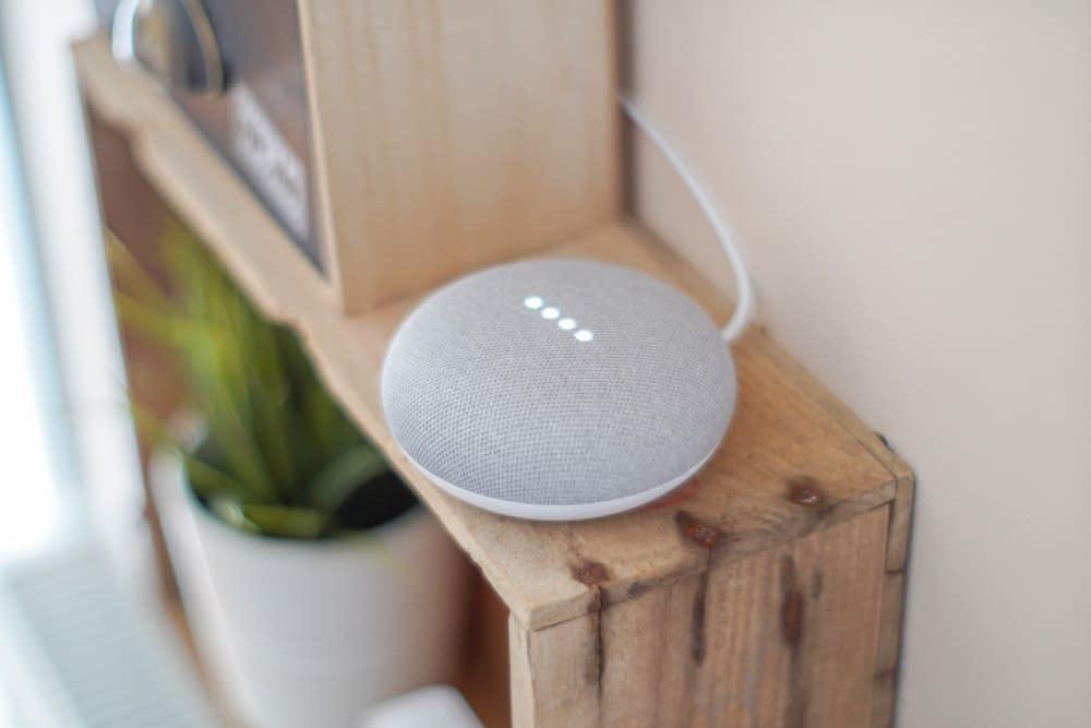 Smart speaker aangesloten op het internet of things